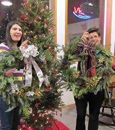 wreath class, fresh wreaths, christmas wreath, wreath crafts, jensen nursery craft classes